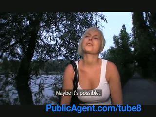 Publicagent пеніс смокче коротка дівчина з білявка волосся