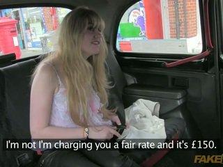 Dumb amadora enganada por o taxi driver