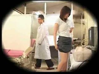 Wyzyskiwane przez jej gynecologist