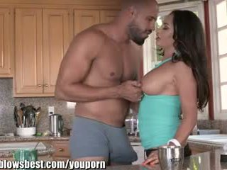 MommyBlowsBest Claudia Valentine, Cock And Teen Daughter In Kitchen!