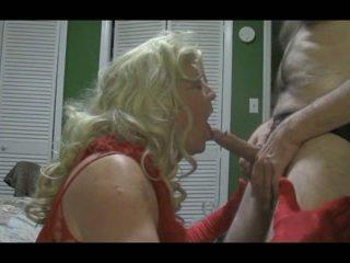 Blonde crossdresser blows grand bite dur