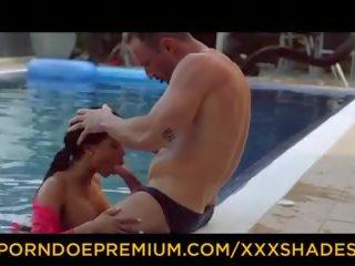 Xxx shades - latina com grande rabos loves hardcore piscina