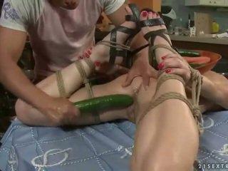 सेक्सी टीन gets bondaged और गड़बड़