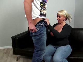 Suaugę curvy motina fucks jaunas ne jos sūnus: nemokamai porno 92
