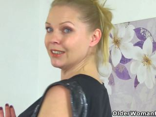 English milf abi needs getting af voor starters: hd porno 24