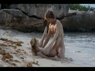 Extreem kunst seks van geil koppel op strand