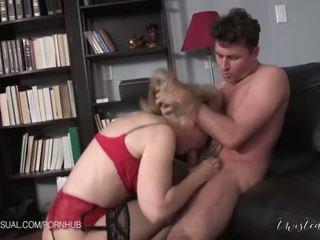 Nina hartley є a slutty corporate stepmother - порно відео 551