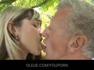 csókolózás, cum a szájban, blowjob
