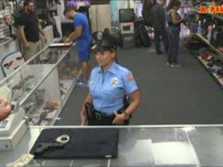 警察 役員 とともに 巨大な おっぱい got ファック で ザ· 奥の部屋