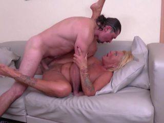 Grannies ar liels krūtis nokļūt grūti sekss no dudes: hd porno 64