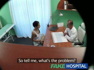 Fakehospital russe poulette gives docteur une sexuel favour