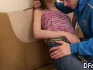 Losing hänen takapuoleninokan virginity