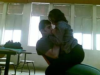 Iraqi sexo en facultad mustafa & yasmin - parte 1