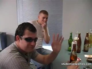 Mischen von movs von student sex parties