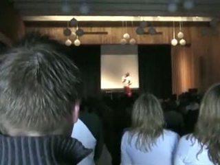 Norvēģi h.s. meitene running par klase prezidents st