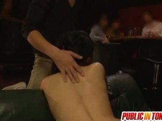 Viešumas dulkinimasis su sora aoi išgręžtas į a seksas tryse