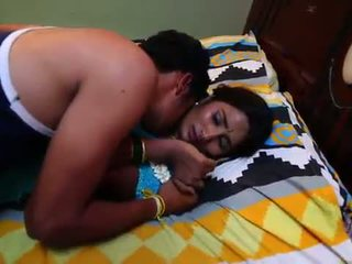 India ibu rumah tangga percintaan dengan newly kawin bachelor - midnight masala video -