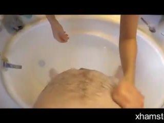 Coco vandi - мама helps боли син bathe - част 01: порно 66
