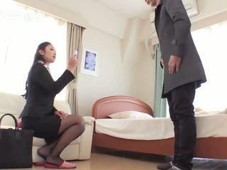 امرأة سمراء, بالإصبع, الاستمناء