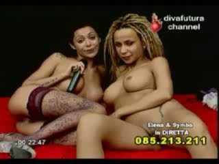 Sexy lesbians pussy licking