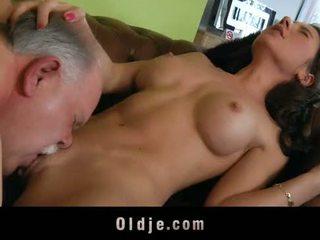 古い butler サーブ セックス へ 彼の spoiled 女性 ボス