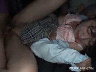 Aziatisch schoolmeisje turned seks slaaf gets heet creampie
