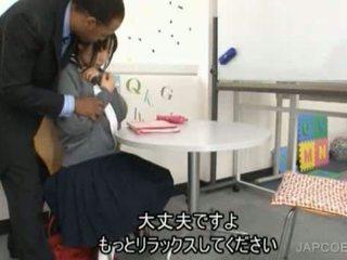 Japanilainen koulutyttö gave runkkaus