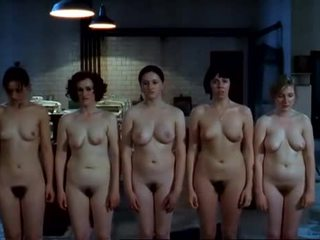 裸体 nuns 在 magdalene sisters