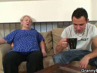 60 years oud oma sucks en rides