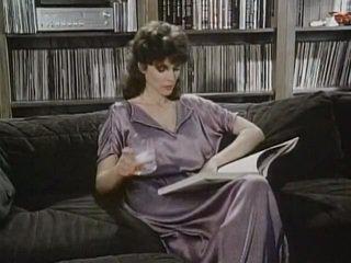 Kay parker kacau sementara menonton porno