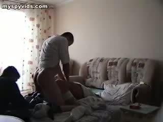 Tikai viens ir nailing the coed, ka fell bez krūtīm viņai dibens augšup!