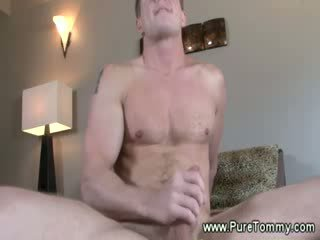 Normal pornstar masturband-se alone