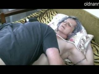 Old granny get pussy licked by young guy Video