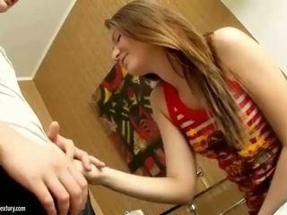 Thiếu niên cutie getting cô ấy chặt chẽ ass rammed