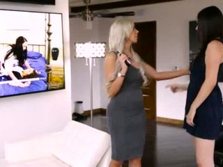 April o'neil e jelena jensen em mommy's gaja