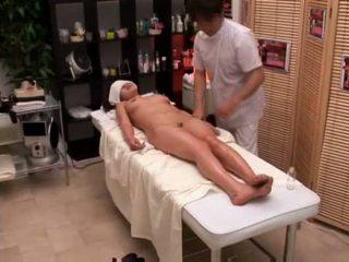 学院 女孩 seduced 由 masseur