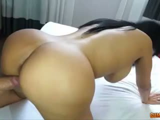 brunett, booty, puta