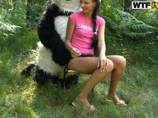 Molly neuken ronde panda in de open lucht