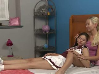 Shyla jennings ja aaliyah rakkaus at cheer camp