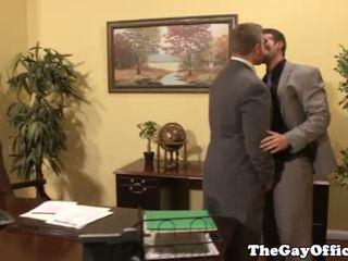 Gejs birojs stud giving vadītājs līdz boss