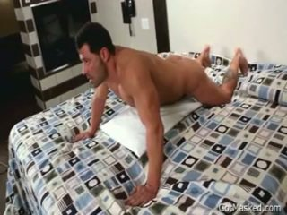 Beefy kaçok homo oglan beating off 3 by gotmasked