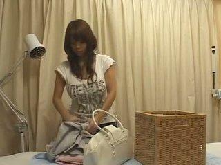 Giappone massaggio grande poppe tette tettona asiatico groupe