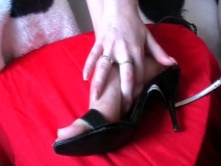 Footjob sperma apavi video