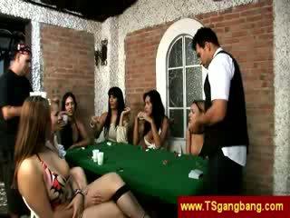 Xi chơi trannies nhấn trên một guy