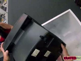 Berpayu dara besar kecil molek orang cuba gets pounded tegar pawn kedai pejabat gaya