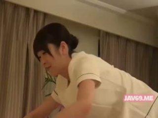 Skjønn seductive koreansk babe knullet