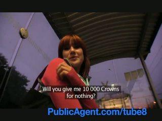 Publicagent lucy gets mans liels dzimumloceklis uz viņai aiz the vilciens stacija
