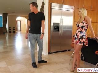 Blonde stepmom Katie Morgan loves son
