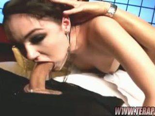 Glamorous bich sasha grey swallows een hard knob unfathomable in haar throat