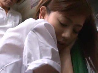 Kaori maeda has hotly hecho amor por un pocos males en un público autobús